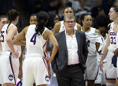 uconn-womens-basketballs-top-recruiting-target-opts-for-stamford