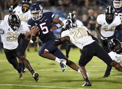 uconn-football-opens-season-with-lopsided-loss-to-ucf