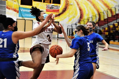 sports-roundup-vasquez-scores-23-points-as-plainville-girls-basketball-tops-new-britain-to-win-third-straight