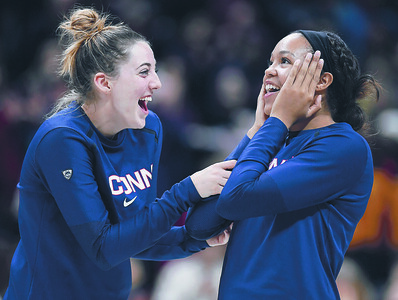 uconn-womens-basketball-collier-samuelson-inseparable-on-off-the-court