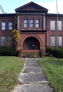 after-long-holdup-in-court-sale-of-old-prospect-street-school-moves-forward-with-apartments-coming