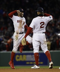 price-pitches-red-sox-past-dodgers-42-for-20-series-lead