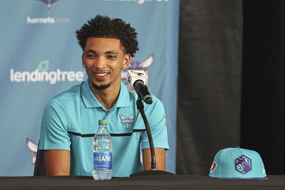 uconns-bouknight-goes-no-11-in-nba-draft