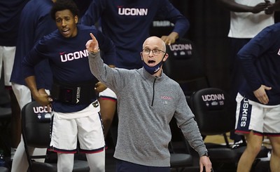 with-next-three-games-on-road-silent-nights-ahead-for-uconn-mens-basketball