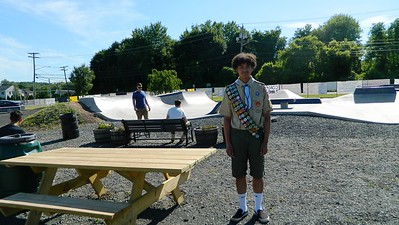 scouts-do-their-duty-and-more-in-newington-skate-park-spruceup