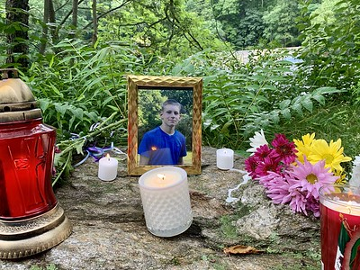 community-holds-vigil-for-2-teens-after-bodies-are-pulled-from-farmington-river