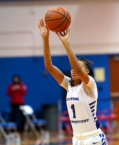 ccsu-women-drop-fourth-straight-in-loss-to-sacred-heart