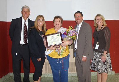 southington-paraeducator-of-the-year-announced