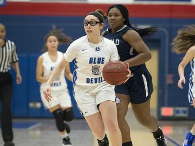 plainville-girls-basketball-able-to-overcome-slow-start-to-beat-amistad-in-rybczyk-tournament