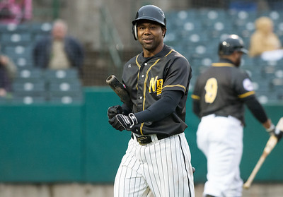 former-new-britain-bees-outfielder-de-aza-continuing-strong-hitting-with-twins-triplea-affiliate
