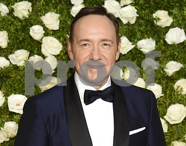 house-of-cards-to-resume-taping-minus-star-kevin-spacey