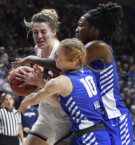 uconn-womens-basketballs-samuelson-toughs-it-out-not-bothered-by-taking-hits