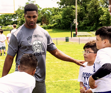 dallas-cowboys-pro-bowl-cornerback-new-britain-native-jones-gives-back-to-community-with-youth-football-camp