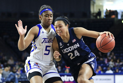 no-3-uconn-womens-basketball-routs-tulsa-as-auriemma-misses-game-with-illness