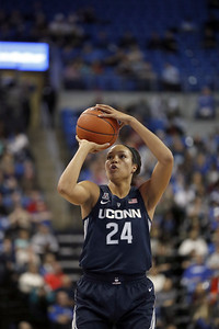 collier-has-big-night-for-uconn-womens-basketball-in-homecoming-game