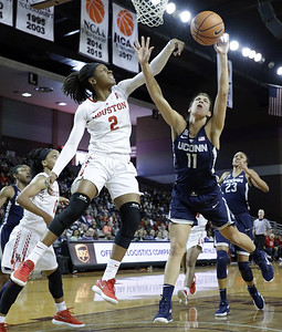 uconn-womens-basketball-puts-on-dominate-performance-in-win-over-houston