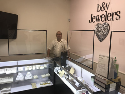 bv-jewelers-creates-sign-to-thank-healthcare-workers
