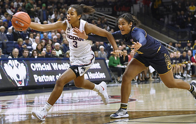 stanford-on-top-uconn-up-to-no-2-in-ap-womens-basketball-top25