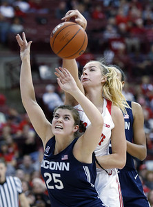 no-4-uconn-womens-basketball-pulls-away-late-holds-off-ohio-state-down-the-stretch-for-victory