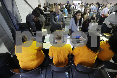 us-employers-closed-out-2017-with-modest-but-steady-hiring