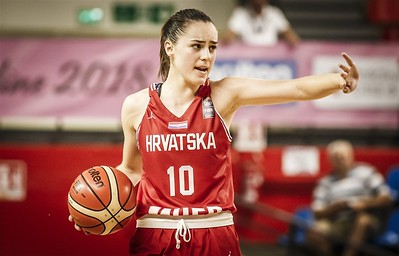 guard-from-croatia-has-eyes-on-uconn-womens-basketball