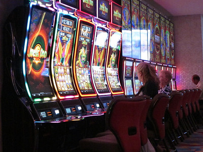 to-bet-or-not-to-bet-casinos-gamblers-weigh-coronavirus-concerns