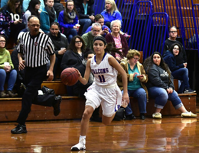 sports-roundup-st-paul-girls-basketball-gets-win-over-previouslyunbeaten-sacred-heart