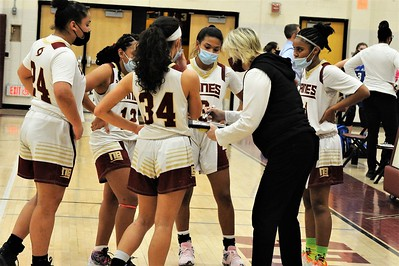 sports-roundup-slow-start-proves-cosly-for-new-britain-girls-basketball-in-loss-to-avon