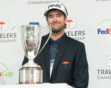 watson-always-feels-at-home-in-travelers-championship-golf-tournament-at-tpc-river-highlands-in-cromwell