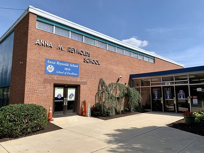 newington-still-discussing-whether-anna-reynolds-school-project-should-move-forward-with-renovation-or-build-new