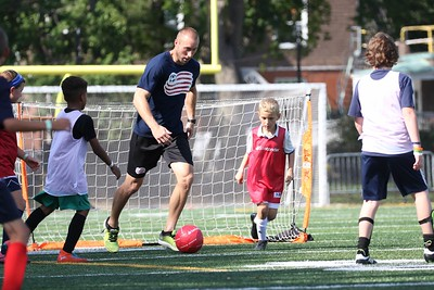 area-youth-meet-new-england-revolution-soccer-stars