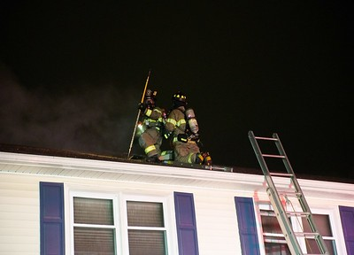 no-injuries-reported-in-newington-fire-saturday-night