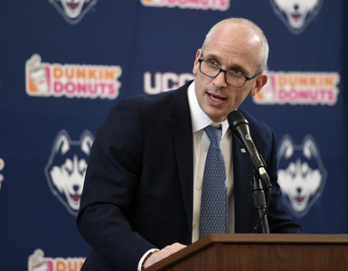 hurley-picks-up-first-two-commitments-for-uconn-mens-basketball