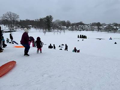 its-so-incredible-new-britains-winter-sledding-event-in-walnut-hill-park-for-area-children-a-big-hit