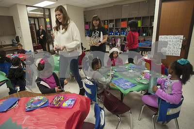texas-rose-festival-queen-emily-kaye-evans-holds-court-at-dixie-elementary-to-reward-little-learners