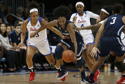 uconn-womens-basketball-remains-no-1-in-ap-top-25