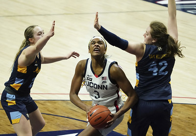 ncaa-tournament-will-be-new-experience-for-many-of-the-members-on-uconn-womens-basketball