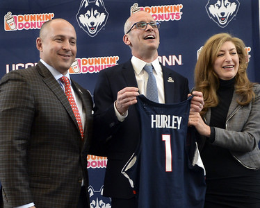 taking-uconn-mens-basketballs-head-coaching-job-is-a-dream-come-true-for-hurley