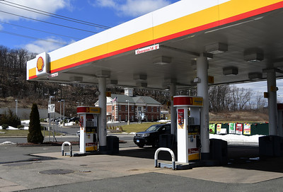 area-gas-station-prices-continue-to-be-lower-than-regional-state-average