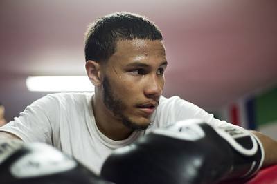 new-britain-native-martinez-falls-by-unanimous-decision-loses-first-fight-of-pro-career