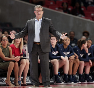 big-east-extends-invitation-for-uconn-to-rejoin-conference