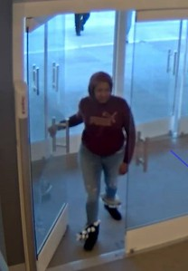 women-sought-by-police-for-theft-in-plainville