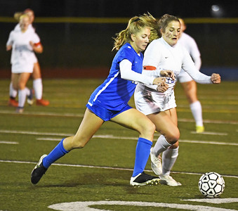 southington-girls-soccer-routs-farmington-to-win-ccc-regional-title-complete-perfect-season