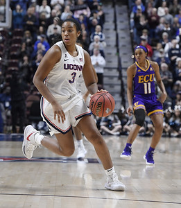 uconn-womens-basketball-sophomores-show-potential-ahead-of-ncaa-tourney