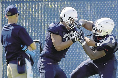 scuffle-during-practice-may-not-be-a-bad-thing-for-uconn-football