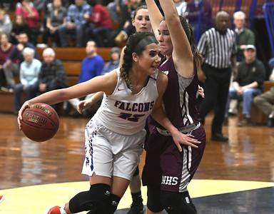 roundup-injuries-illness-catch-up-to-st-paul-girls-basketball-with-fourth-quarter-collapse