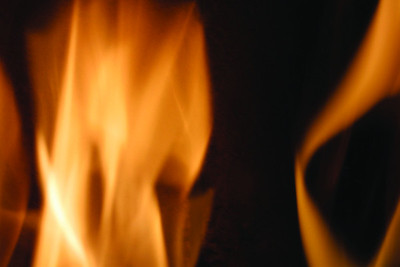 man-breaks-into-texas-home-in-effort-to-save-burning-victim