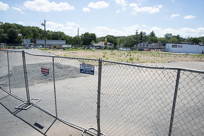 coowner-hopes-the-rebuilding-of-tops-marketplace-in-southington-will-be-completed-by-february-2020