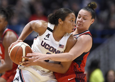uconn-legend-lobo-others-unsure-if-walker-is-ready-for-pros