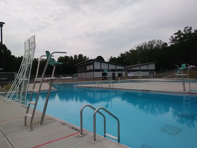 city-pools-have-reopened-and-residents-flock-in-to-beat-the-summer-heat